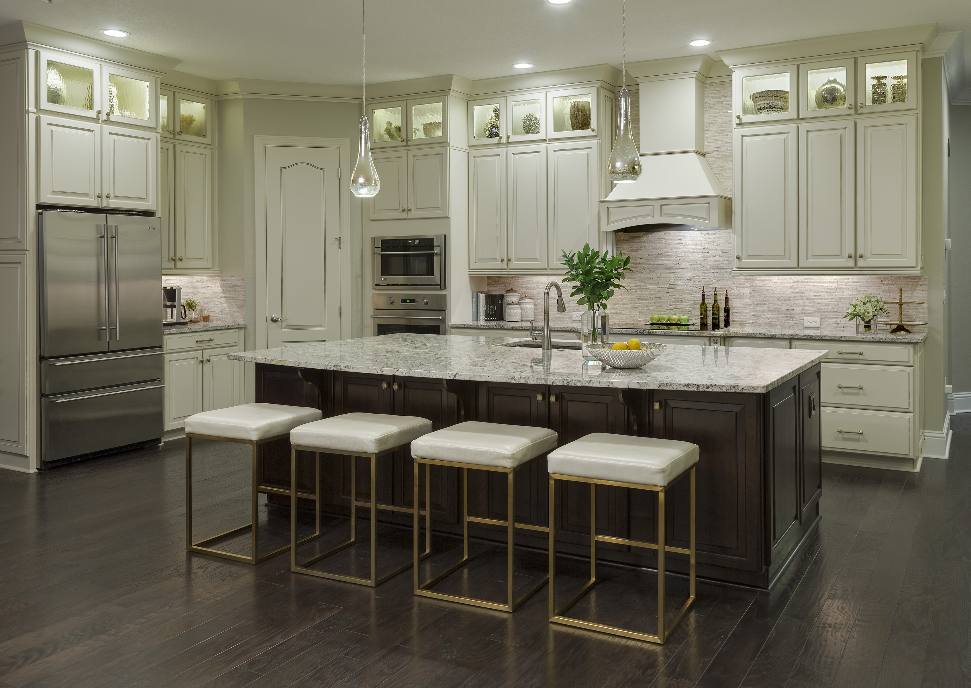 Transitionally Elegant Kitchen: John​ ​McClain​ ​–​ ​John​ ​McClain​ ​Design